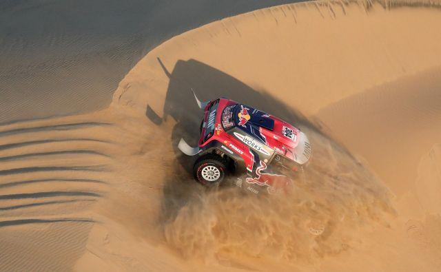 Utrinek iz 2. etape relija Dakar, ki je potekala od Piska do San Juana de Marcona vPeruju. Foto Carlos Jasso Reuters