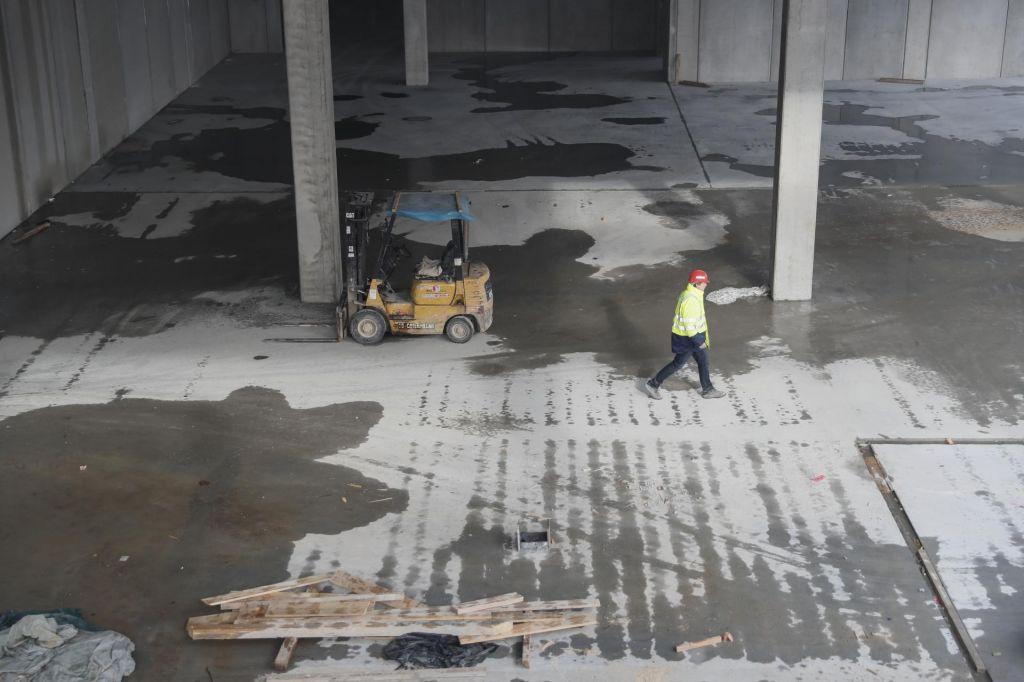 FOTO:Na gradbišču Lonstroffa napeto, razmišljajo že o širitvi