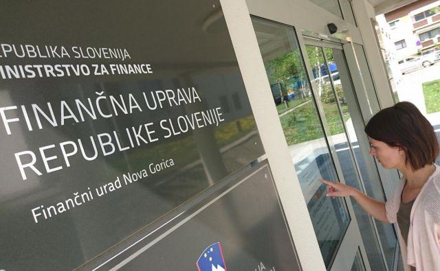 Finančna uprava objavlja kršitelje, ki ne poročajo o plačevanju prispevkov. FOTO Blaž Močnik/Delo