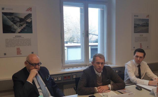 Z leve: Herbert Culk, direktor Heliosa, Peter Hasslacher, direktor Advantage Austria, Paul Olynec, projektni vodja Advatage Austria. FOTO: Janez Tomažič