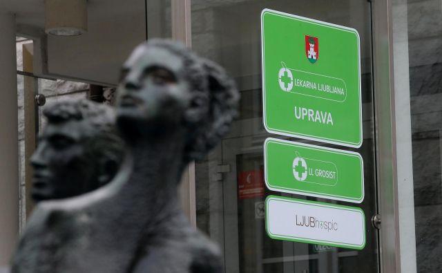 Na mestni občini Ljubljana pravijo, da nova zakonodaja ne zahteva prenosa ustanoviteljskih pravic za Lekarno Ljubljana na druge občine, na ministrstvu za zdravje menijo nasprotno. FOTO Blaž Samec