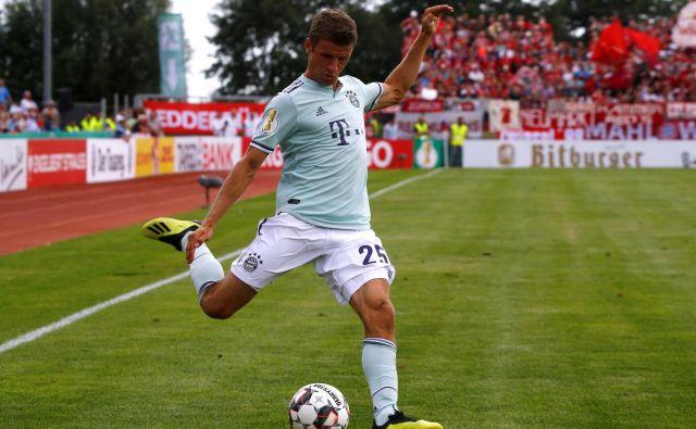 Thomas Muller bo izpustil obe tekmi z Liverpoolom. FOTO: Reuters