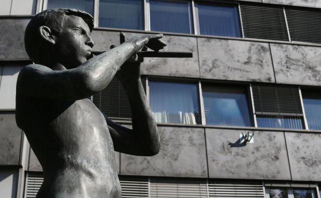 Državni zbor bo moral poiskati nove nadzornike RTV Slovenija. FOTO: Tomi Lombar/Delo