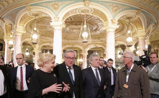 Slovesnost ob začetku romunskega predsedstva je potekala z veliko blišča. Predsednik evropske komisije Jean-Claude Juncker je govoril kar o kraljevskem sprejemu. FOTO: Inquam Photos/Reuters