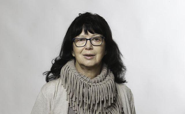 Jasna Kontler Salamon: »Zdaj sem uradno že pet let upokojena, a sem še vedno novinarka.« FOTO: arhiv Dela