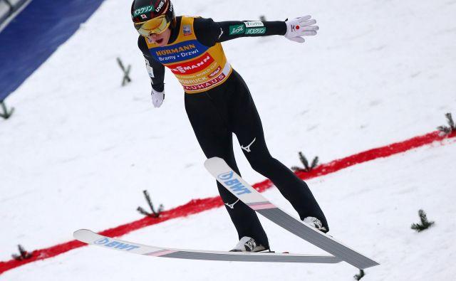 Rjoju Kobajaši tudi po novoletni turneji ne popušča. FOTO: Reuters