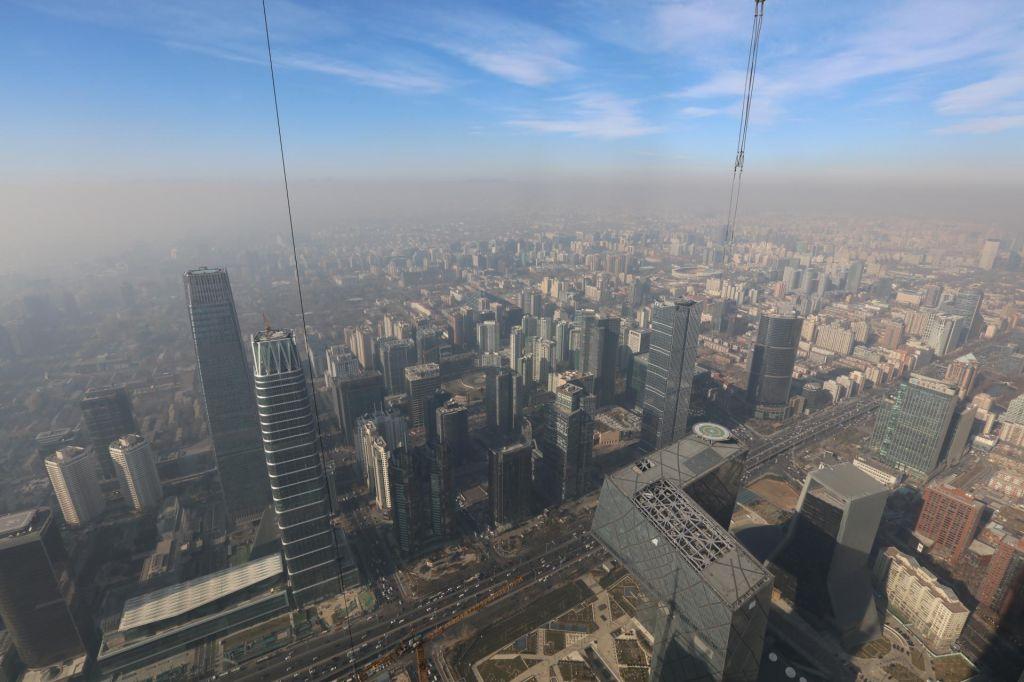 Onesnažen zrak povečuje tveganje za splav