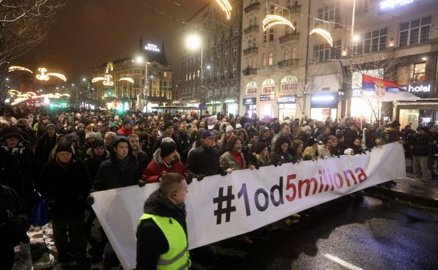 Prvi protest je potekal 8. decembra.FOTO: Reuters