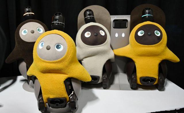 Japonsko podjetje Groove X je predstavilo majhnega robota z imenom Lovot. FOTO: AFP