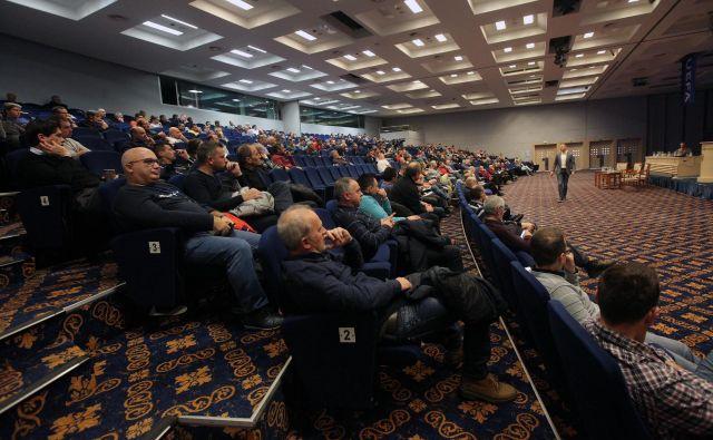 Dvodnevni strokovni seminar je pritegnil v Portorož približno 500 slovenskih nogometnih trenerjev. FOTO: Mavric Pivk