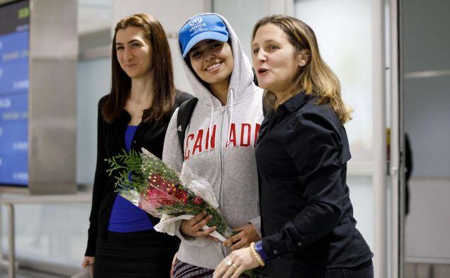 Na letališču so jo pričakali številni podporniki. FOTO: Cole Burston/AFP