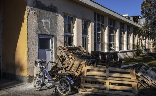 Žalostno stanje tovarne Tomos v stečaju. FOTO Voranc Vogel