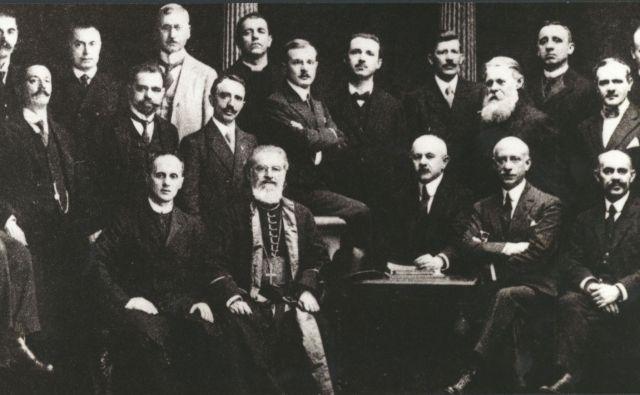 Etnografska sekcija delegacije Kraljevine SHS v Parizu. FOTO: Pokrajinski arhiv Maribor