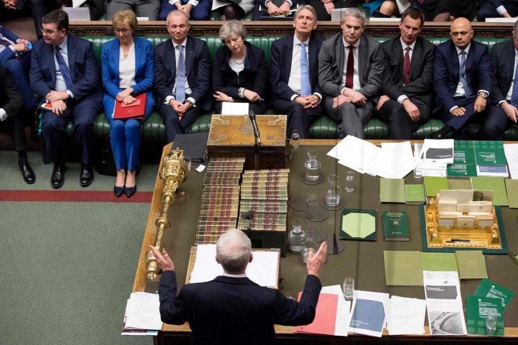 Britanski parlament zavrnil ločitveni sporazum z EU