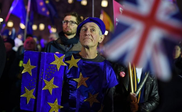 Način uresničitve referendumske odločitve o brexitu je še vedno v megli. FOTO: Oli Scarff/AFP