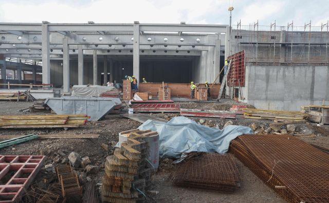 Gradbeništvo še naprej hitro raste. FOTO: Uroš Hočevar/Delo