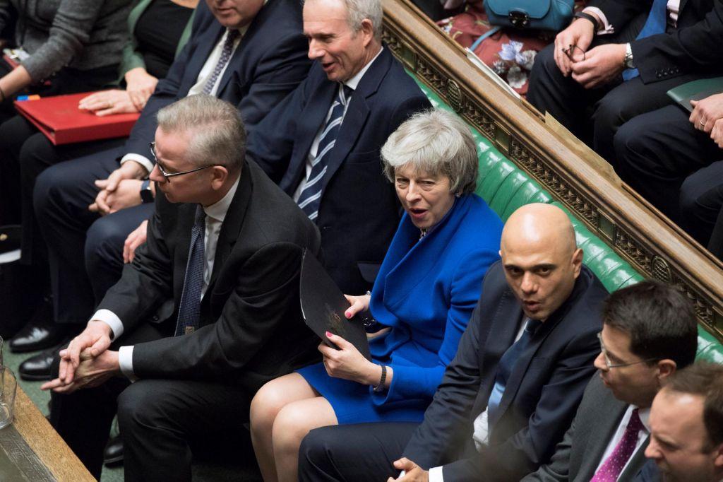 FOTO:Britanska vlada preživela glasovanje o nezaupnici