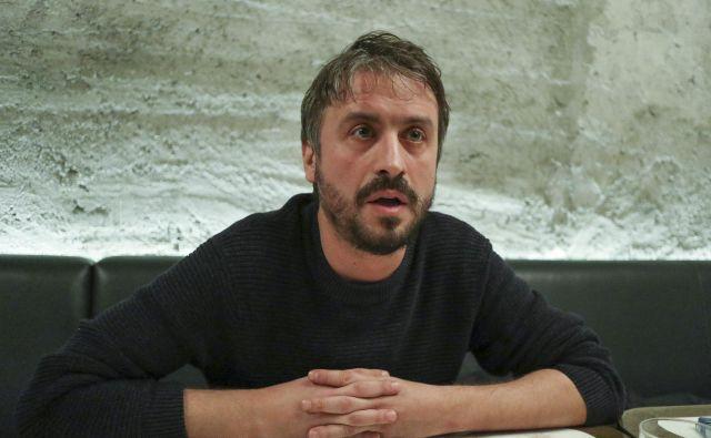 »Treba je vedeti, da je to država, v kateri je bil leta 2003 ubit premier, ubit je bil Oliver Ivanović, ubijali so novinarje.« FOTO: Jože Suhadolnik/Delo