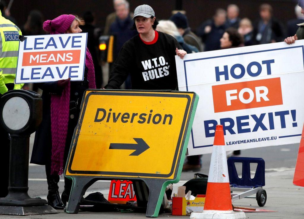 Iskanje cilja v smereh razvoja brexita
