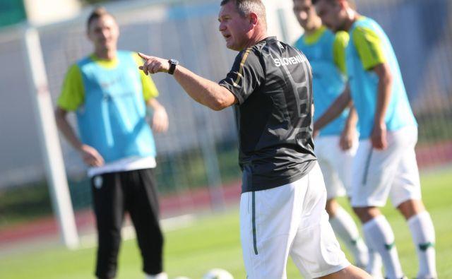 Matjaž Kek bo danes vodil prvi trening slovenske reprezentance po 2658 dneh premora. FOTO: Tadej Regent