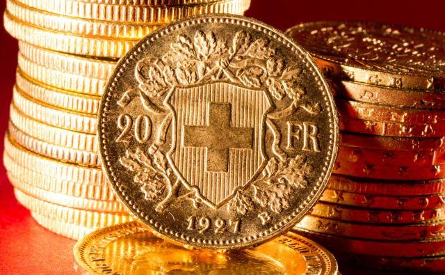 Gre za peto odločitev vrhovnega sodišča v tožbah kreditojemalcev v švicarskih frankih proti bankam. V prvih treh primerih je sodišče zadeve vrnilo na nižje instance, v zadnjih dveh pa je revizijo zavrnilo in odločilo v korist bank. Foto Shutterstock