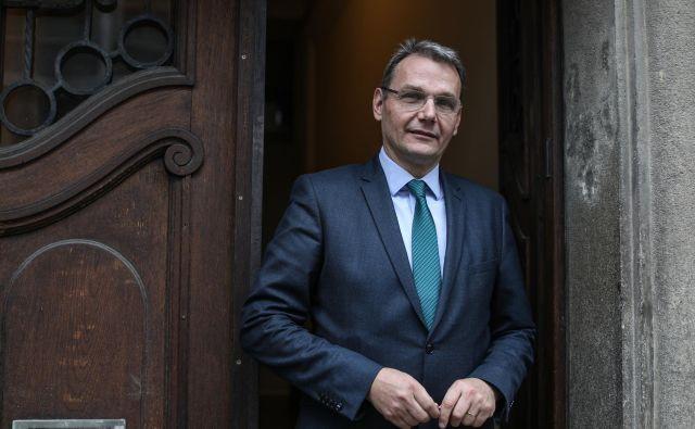 Marjan Podobnik, predsednik SLS: »Za stranko, ki je bila nekoč organizacijsko ena izmed najmočnejših, je ponovna vzpostavitev ustrezne aktivnosti na celotnem ozemlju Slovenije zelo zahteven izziv.« FOTO: Voranc Vogel