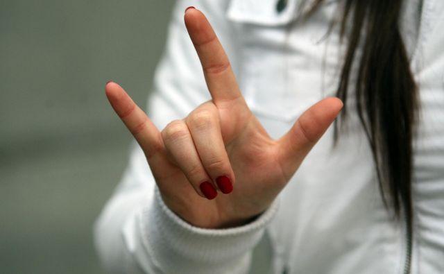 Slovenija bo postala peta država v EU, ki ima pravico do nacionalnega znakovnega jezika vpisano v ustavo. Foto Tadej Regent