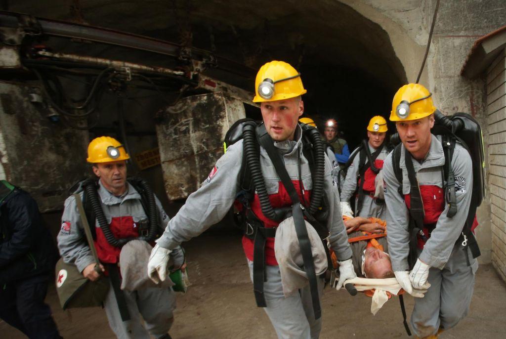 FOTO:Šestnajst nekdanjih delavcev odšlo med espejevce