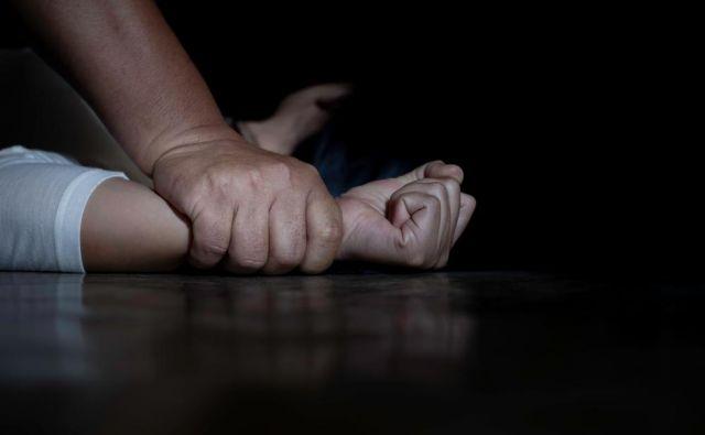 Se zavedamo, koliko je v družbi nasilja nad ženskami? Foto Shutterstock
