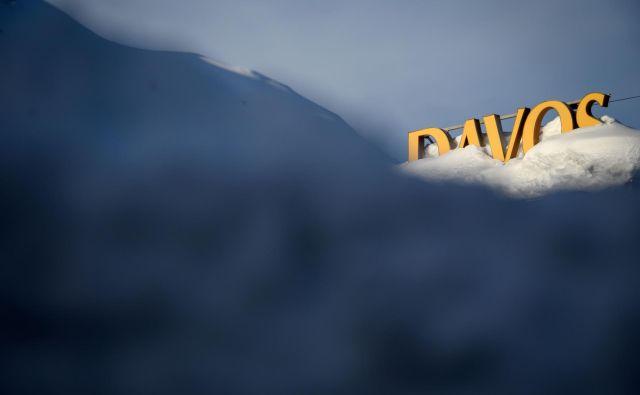 Svetovni gospodarski forum poteka torka do petka v Davosu, letos pa bo potekal pod naslovom Globalizacija 4.0: oblikovanje globalne arhitekture v času četrte industrijske revolucije. FOTO: Fabrice Coffrini/AFP