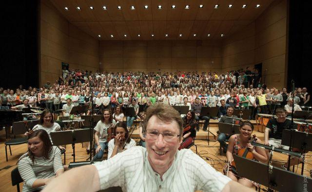 Damijan Močnik na koncertu zborov in orkestra Zavoda sv. Stanislava v Cankarjevem domu Foto Jana Jocif