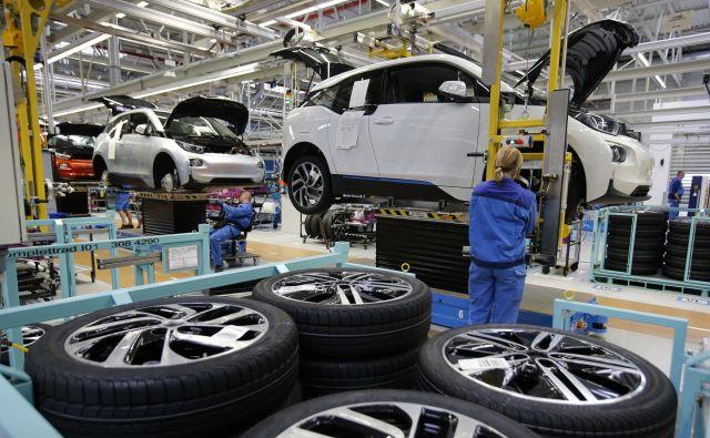 Nemško gospodarstvo se ohlaja. Na avtomobilske proizvajalce negativno vpliva tudi manjša rast kitajskega gospodarstva. To pomeni tudi manj naročil za slovenske dobavitelje nemški industriji. Foto Reuters