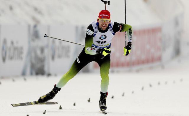 Jakov Fak je v sezono zelo spodbudno štartal, s 4. mestom na 20-kilometrski pokljuški tekmi, a pozneje je sledil tekmovalni padec. FOTO: Matej Družnik/Delo