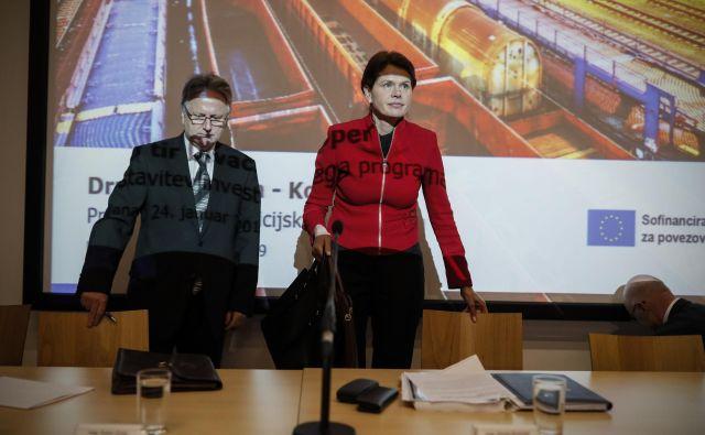 Dušan Zorko, generalni direktor 2TDK, in Alenka Bratušek, ministrica za infrastrukturo, zagotavljata, da je projekt finančno vzdržen. FOTO: Uroš Hočevar/Delo