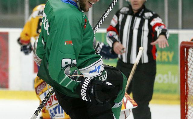 Žan Jezovšek je vnovič z golom prispeval pomemben delež k Olimpijini zmagi.<br /> FOTO Matej Družnik/Delo