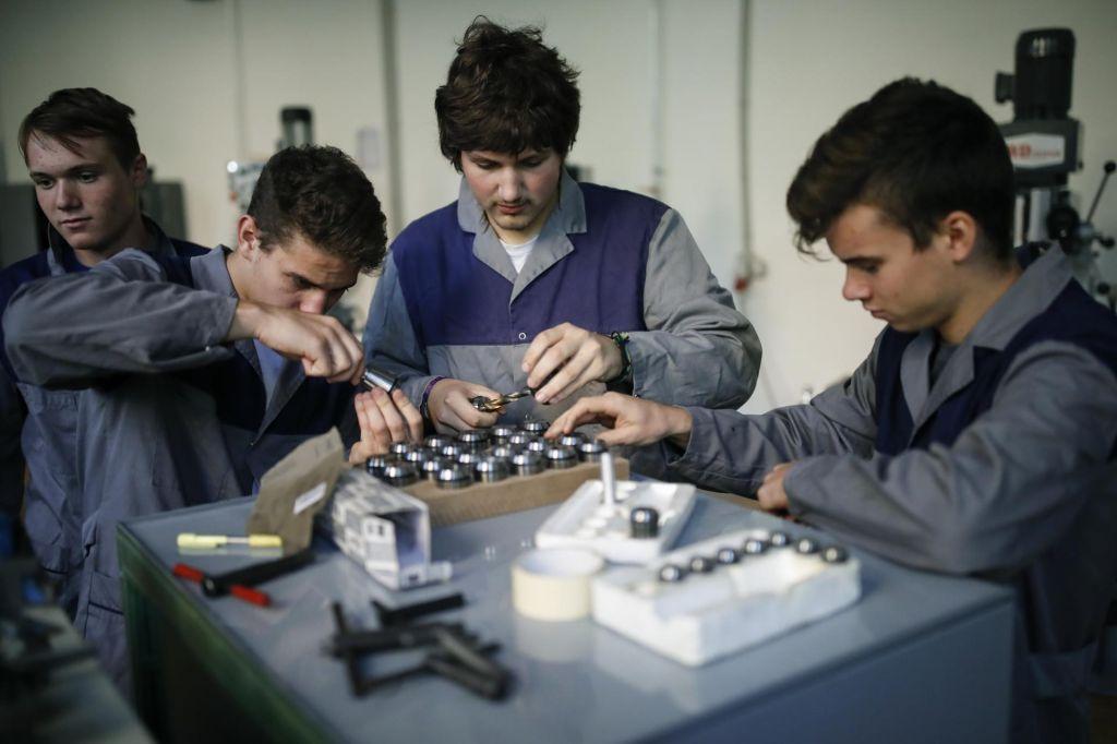 FOTO:Poklici nimajo ugleda, mladi so brez motivacije