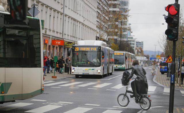 Na LPP so prepričani, da so še vedno med najcenejšimi mestnimi prevozniki v Evropi. FOTO: Jože Suhadolnik/Delo