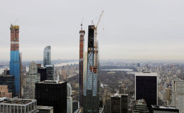V »ulici milijarderjev« in njeni neposredni bližini trenutno potekajo obsežna gradbena dela. FOTO: Lucas Jackson/Reuters
