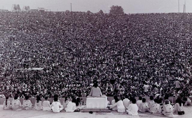 Woodstock velja za enega najpomembnejših glasbenih dogodkov. Šlo je namreč za veliko več kot le za glasbeni festival, saj je dogodek za obiskovalce in nastopajoče pomenilsvobodo.FOTO: Mark Goff/Wikipedia