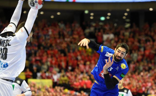 Nikola Karabatić se šele vrača po poškodbi, zato še ni v polni formi, vseeno pa je bil eden od junakov Francozov. FOTO: Reuters