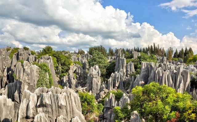 Kamnite gozdove v provinci Junan obišče 10 milijonov ljudi na leto. Fotografije Igor Bratož