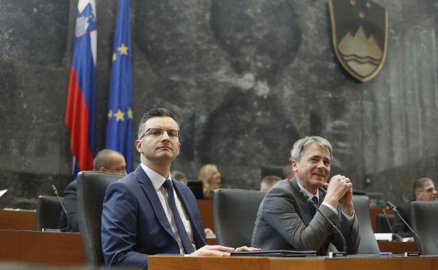 S poslanskimi vprašanji predsedniku vlade Marjanu Šarcu in ministrski ekipi se je začela januarska seja DZ. FOTO: Leon Vidic/Delo