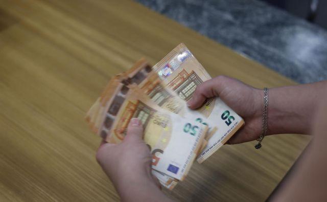 Napredka v boju proti korupciji ne opažamo že šest let. FOTO: Leon Vidic/Delo
