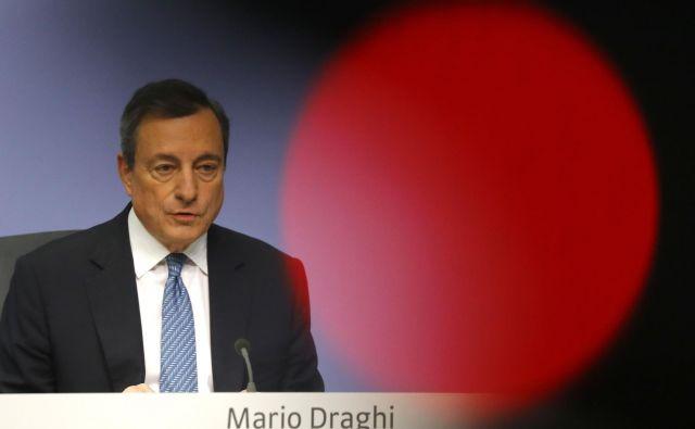 Predsednik ECB Mario Draghi v osemletnem mandatu, ki se zaključuje oktobra, zelo verjetno ne bo niti enkrat zvišal obrestnih mer. FOTO Reuters
