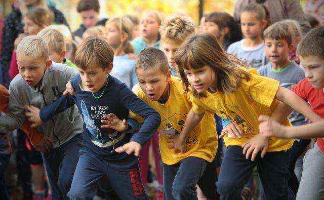 »Otroci so ustvarjalni, kar pa izkoreninjamo zaradi ambicioznosti v družbi,« pravi ravnatelj OŠ Prežihovega Voranca Marjan Gorup. Foto Jure Eržen