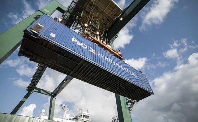 Tovor bodo vozili s trajekti v Trst, potem po železnici do Nizozemske. Foto P&o Ferrymasters