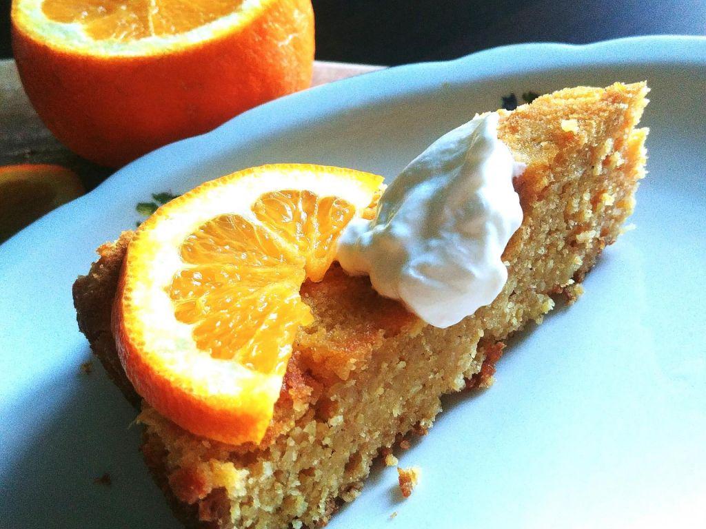 Poletov recept: Pomarančna torta iz polente