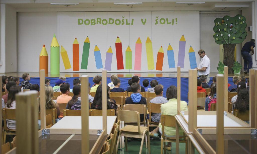 FOTO:Šola, v kateri je povprečna ocena višja od 4, ne more biti prezahtevna