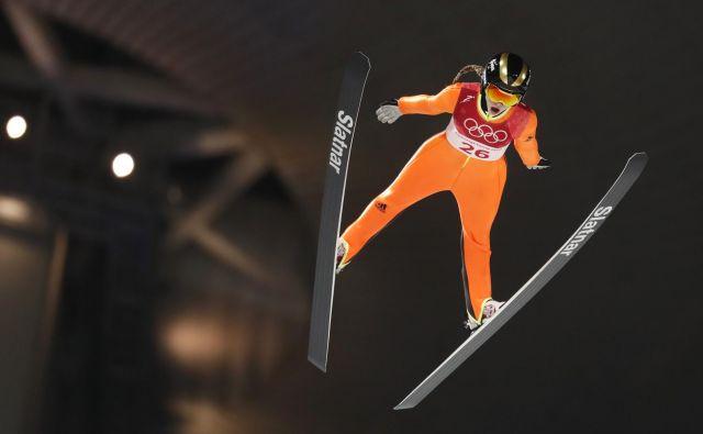 Nika Križnar je po poškodbi Eme Klinec glavno orožje slovenske ženske skakalne reprezentance. FOTO: Matej Družnik/Delo