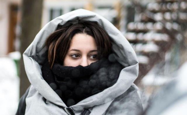 Mraz v Montrealu. Že zdaj so temperature globoko pod ničlo, v prihodnjih dneh pa bi se lahko spustile celo do skoraj minus 30 stopinj Celzija. FOTO: Martin Ouellet-diotte/AFP